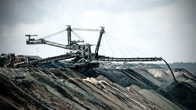 Einfache Regel: Läuft die Konjunktur rund, steigt der Ölverbrauch und damit auch der Preis.