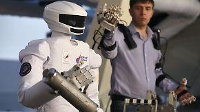 Wie von Zauberhand gesteuert: Robonaut SAR-401 übernimmt ISS-Außeneinsätze