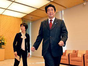 Ministerpräsident Shinzo Abe bekämpft die Deflation.