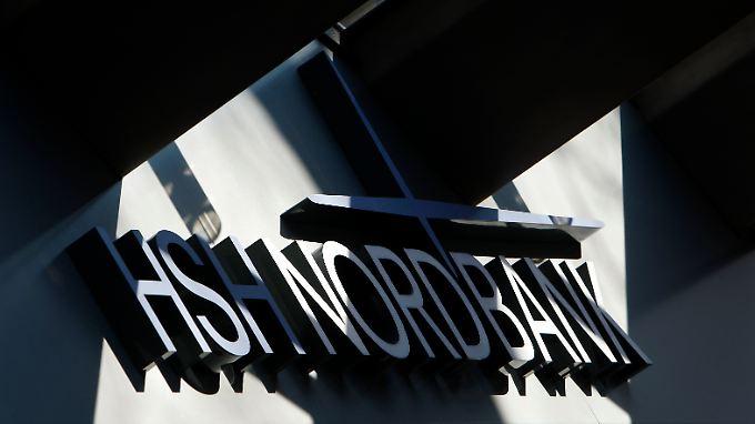 Viel Licht und viel Schatten: Bei der HSH bremst die Schifffahrtskrise die Geschäfte - die Firmenkunden beflügeln sie.