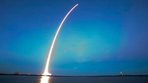 Auftragsbücher bereits prall gefüllt: Privatfirma schießt ersten Satelliten ins All