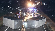 Ein LKW mit Anhänger kippte auf der A 4 zwischen Gera und Ronneburg um. Der tschechische Fahrer wurde verletzt und es entstand ein kilometerlanger Stau.