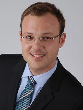 Philipp Stephan ist wissenschaftlicher Mitarbeiter am Lehr- und Forschungsgebiet BWL, Entscheidungsforschung & Finanzdienstleistungen der RWTH Aachen.