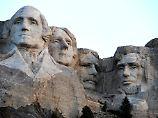 Riesige Porträts von US-Präsidenten: Mount Rushmore - eine Legende in Stein