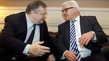 Venizelos und Steinmeier, der Sozialist und der Sozialdemokrat, verstehen sich gut.