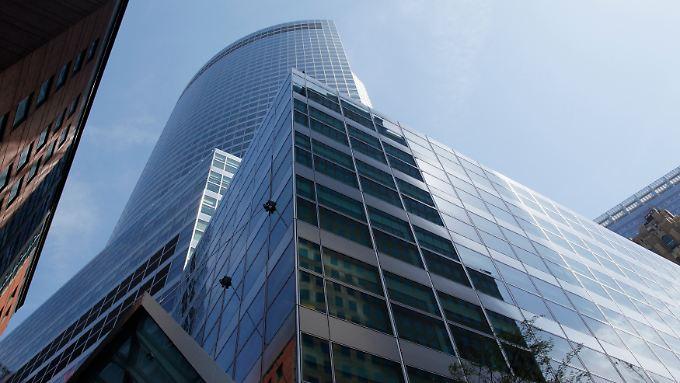 Goldman Sachs muss im vierten Quartal etwas kürzer treten - und profitiert insgesamt vom ersten Halbjahr.