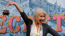 Neue Trophäe zwischen Oscar und Golden Globe: Helen Mirren feiert mit goldenem Puddingtopf