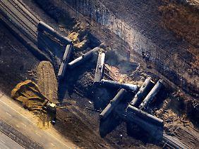 Das Verkehrsaufkommen im nordamerikanischen Schienennetz schwillt dramatisch an, die Unfallberichte häufen sich (hier eine glimpflich verlaufene Zugentgleisung bei Edmonton in der kanadischen Provinz Alberta).