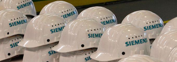 Ferner Zorn in New York: Der Helm nützt jetzt auch nichts mehr.