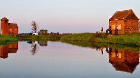 Auch bei Tag ist der Ort durchaus reizvoll: ein Sperrwerk des Havelländischen Hauptkanals bei Gülpe.