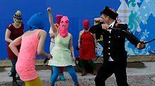 Aktivistinnen beschuldigen Kosaken: Pussy Riot erneut angegriffen