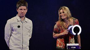 Brit Awards in London: Kate Moss nimmt Auszeichnung als Ziggy Stardust entgegen