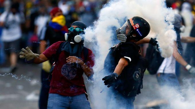 Besonders die heute wohlhabenderen Venezolaner begehren gegen die Maduro-Regierung auf.