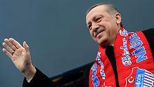 Siegessicher: der türkische Ministerpräsident Erdogan geht wieder für die AKP auf Stimmenfang.