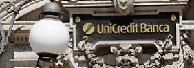 Italiens größte Bank UniCredit kämpft sich aus der Rezession.
