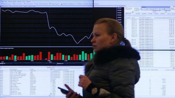 Die Moskauer Börse verzeichnet kräftige Kursverluste.
