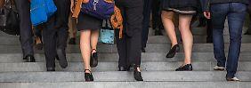 Weniger Geld für gleiche Arbeit: So tappen Frauen in die Lohnfalle