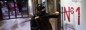 Friedliche und gewalttätige Proteste: Schaurige Zahlen machen Spanier wütend