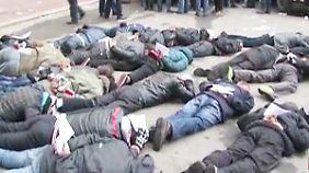 Kampf um die Ostukraine: Sicherheitskräfte nehmen 70 prorussische Aktivisten fest