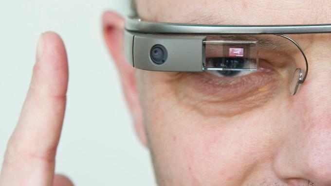Künftig soll es für Google Glass auch Rahmen von Ray-Ban und Oakley geben.