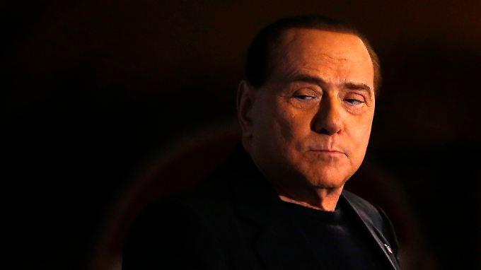 """Berlusconi hat viel verloren - nicht nur den Ehrentitel """"Cavaliere""""."""