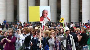 Heiligsprechung zweier Päpste: Pilger strömen für kirchliches Großereignis nach Rom