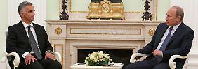 Das Treffen von OSZE-Präsident Didier Burkhalter mit Russlands Präsident Wladimir Putin galt als eine der letzten Möglichkeiten einer diplomatischen Lösung der Ostukraine-Krise.