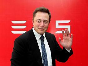 Elon Musk wurde mit dem Bezahldienst Paypal reich.