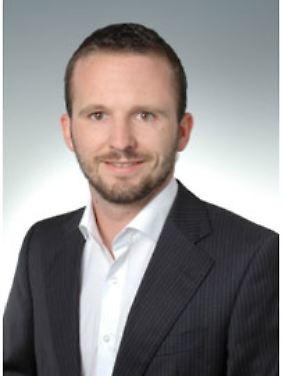 Stefan Eberhardt ist bei der Unikat Vermögensverwaltung als Geschäftsstellenleiter sowohl für die Kundenbetreuung als auch für das Portfolio- und Risikomanagement tätig. www.unikat-finanz.de