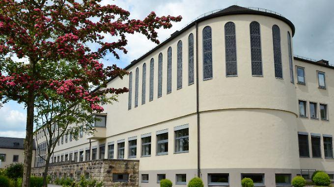 Um dieses Gebäude geht es: Das Limburger Priesterseminar soll saniert werden.