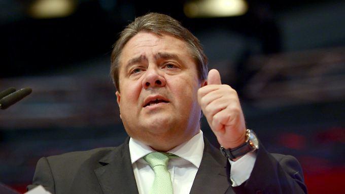 Wirtschaftsminister Sigmar Gabriel muss Exporte von Rüstungsgütern genehmigen.