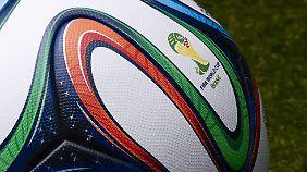 """Der """"Brazuca"""" ist der offizielle WM-Ball in Brasilien."""