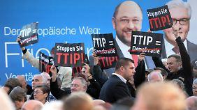 Demonstranten gegen des Freihandelsabkommen TTIP.