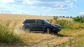 Der Land Cruiser braucht sich nicht zu verstecken: Aus dem Busch auf den Boulevard ist mit dem Toyota absolut machbar.