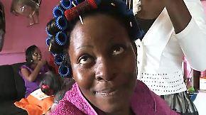 Frauenhimmel in Uganda: Friseurbesuch vertreibt Kummer und Sorgen