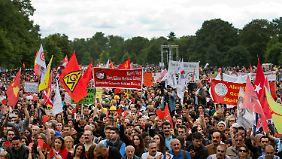 Proteste in Köln: Erdogan-Besuch treibt Zehntausende auf die Straßen