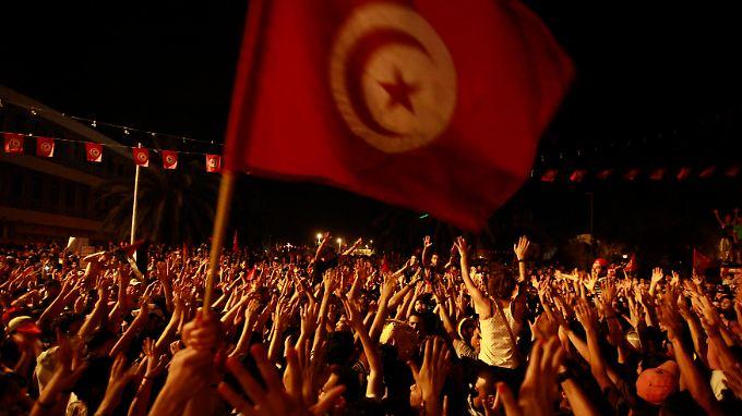 Es hat lange gedauert, doch es hat sich gelohnt: Dreieinhalb Jahren nach dem Sturz des Diktators scheinen die Tunesier auf einem guten Weg zu sein.