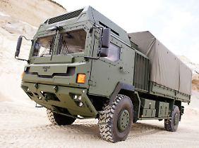 Allradantrieb auf zwei Achsen: Ein Lkw der HX-Serie von RMMV mit leicht gepanzerter Kabine.