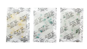 Silikagel, mit verschiedenen Indikatoren gefärbt.