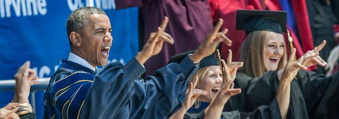 """""""Zot! Zot! Zot!"""" Obama macht das offizielle Zeichen der Ameisenbären."""