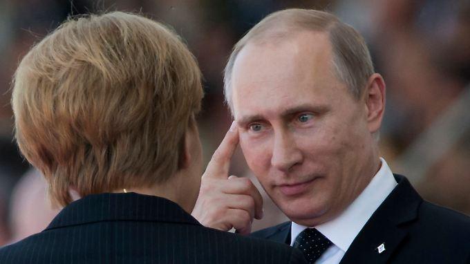 Angela Merkel und Wladimir Putin konnten sich in der Ukraine-Krise bisher nicht einigen. Die Abhängigkeit der EU von russischem Gas macht die Verhandlungen für die Kanzlerin besonders schwer.