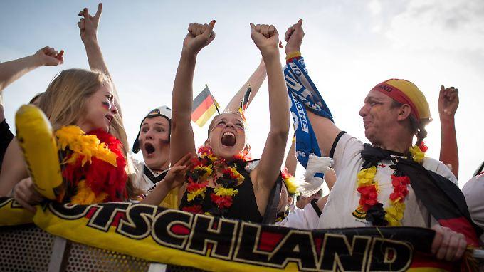 """""""Es hat gemüllert"""": Fans träumen nach 4:0-Sieg schon vom Titel"""