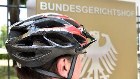 Bei unverschuldeten Unfällen: Radfahrer ohne Helm haben Anspruch auf Schadenersatz