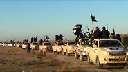 """Isis etwa, die dieser Tage die Nachrichten bestimmt, ist eine sunnitische Bewegung. Die vier Buchstaben stehen für den Islamischen Staat im Irak und Syrien. Oft ist statt Syrien auch von """"Scham"""" die Rede. Damit ist so etwas wie ein Großsyrisches Reich gemeint, das Teile des Libanon, der Türkei, Jordaniens und Palästinas umfasst. Isis ist derzeit eine der einflussreichsten und radikalsten dschihadistischen Organisation der Welt. Die Kämpfer der Isis gehen selbst gegen andere Muslime, sprich gegen Schiiten, erbarmungslos vor."""