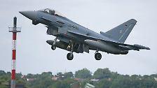 Bei einem Übungsmanöver im Sauerland kollidiert ein Eurofighter der Bundeswehr mit einem Learjet in mehreren Tausend Metern Höhe..