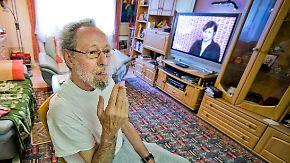 Gericht bestätigt Kündigung: Raucher muss Wohnung nach 40 Jahren räumen