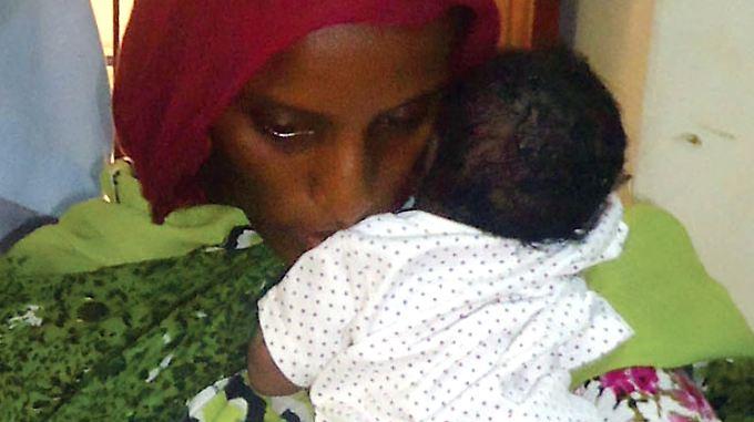 Im Gefängnis und mit Aussicht auf den baldigen Tod am Galgen gebar Mariam Ibrahim Ishak ihre Tochter Maya.