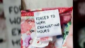 Schlechte Arbeitsbedingungen: Botschaften in Billig-Kleidung setzen Primark unter Druck