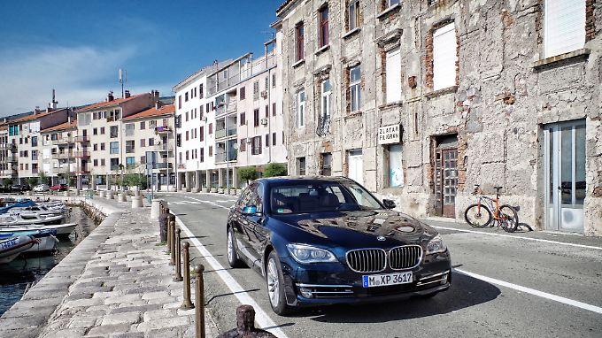 Mit dem BMW 750d geht es los in Richtung Südosten.
