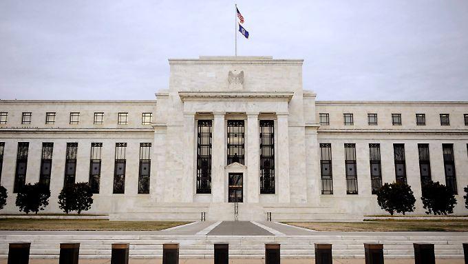 Zuletzt kaufte die US-Notenbank monatlich Anleihen im Wert von 35 Milliarden US-Dollar.